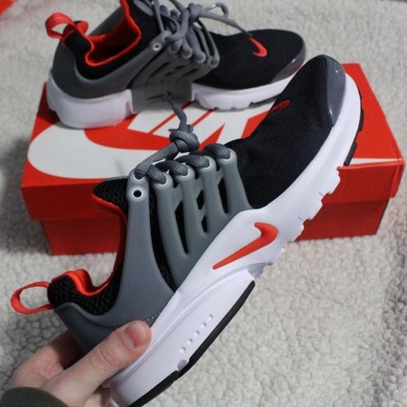 wholesale dealer e2c2b 91753 BNIB Nike Air Presto Black Max Orange Cool Grey